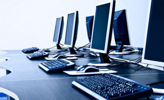 row-of-personal-computers-istock_000018237896medium-650x371-710x434