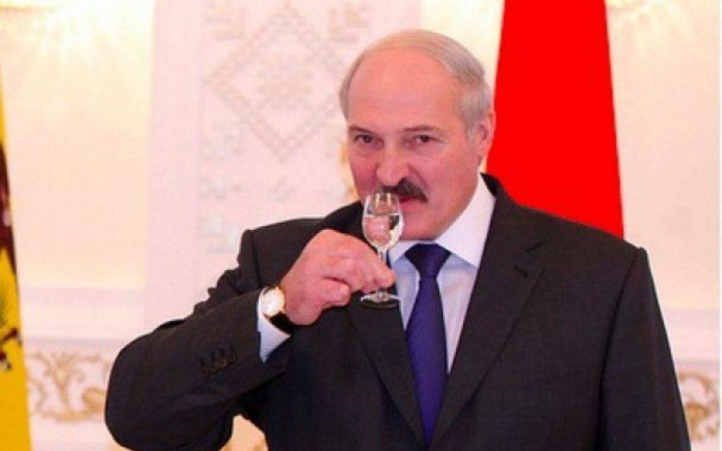 """""""Йди сюди, дитинко"""": Подруга Лукашенка вразила світ своєю красою. Такій хоч зірку з неба"""