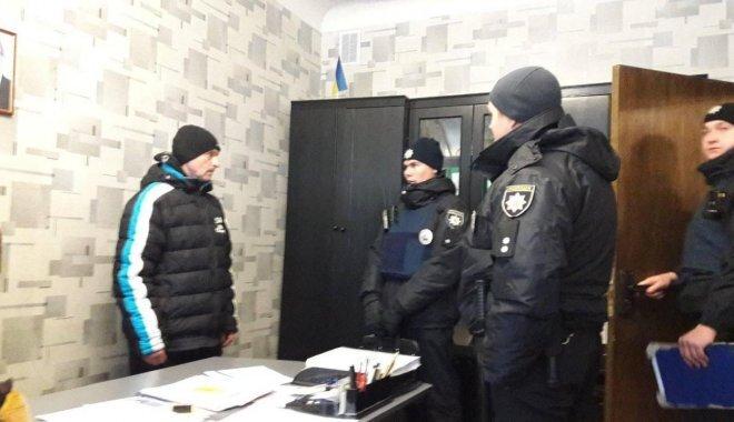 Неадекватного чоловіка затримали у Харкові, раніше він був судимий за розбещення малолітніх