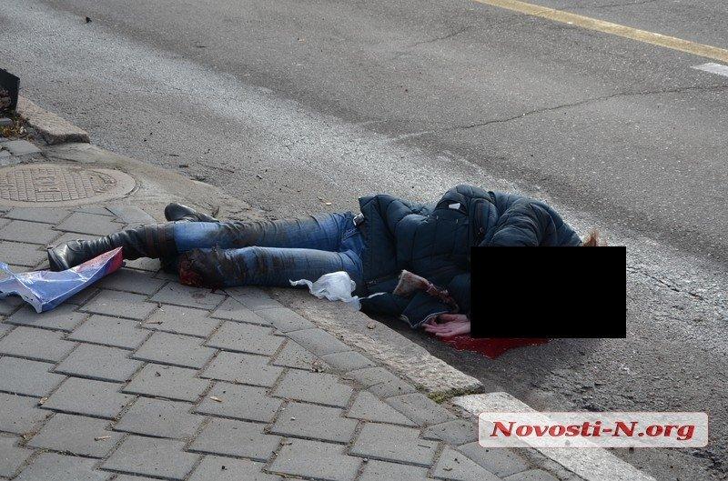 В центре Николаева «Мерседес» насмерть сбил женщину