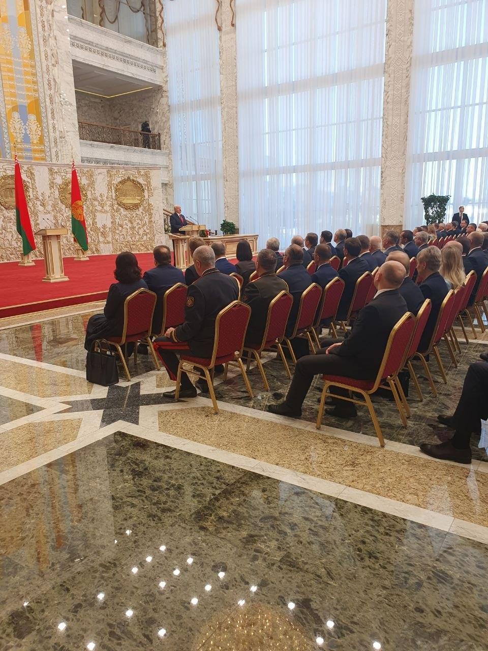 Лукашенко таємно вступив на посаду президента
